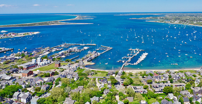 NANTUCKET REAL ESTATE ARTICLES